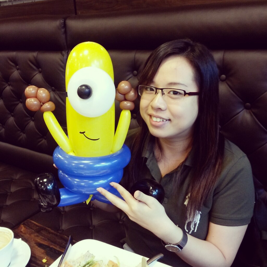 , Day 1 – Krazy Burgers Restaurant Balloon Sculpting, Singapore Balloon Decoration Services - Balloon Workshop and Balloon Sculpting