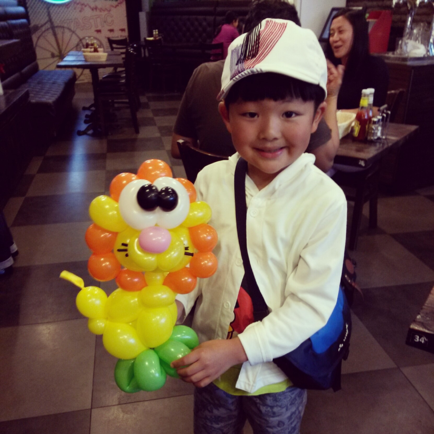 , Where to hire balloon sculpting in Singapore?, Singapore Balloon Decoration Services - Balloon Workshop and Balloon Sculpting