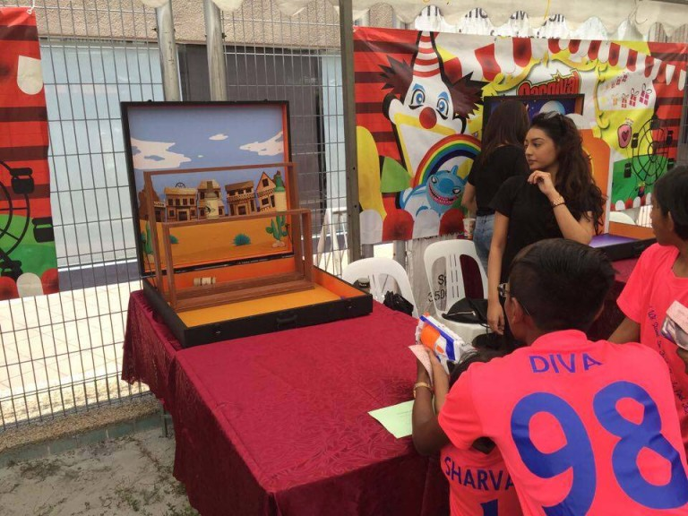 , Carnival Game Stalls, Singapore Balloon Decoration Services - Balloon Workshop and Balloon Sculpting