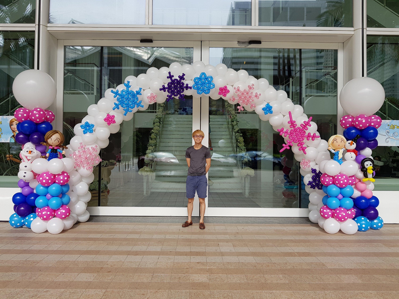 , Elsa and Anna Balloon Decorations, Singapore Balloon Decoration Services - Balloon Workshop and Balloon Sculpting