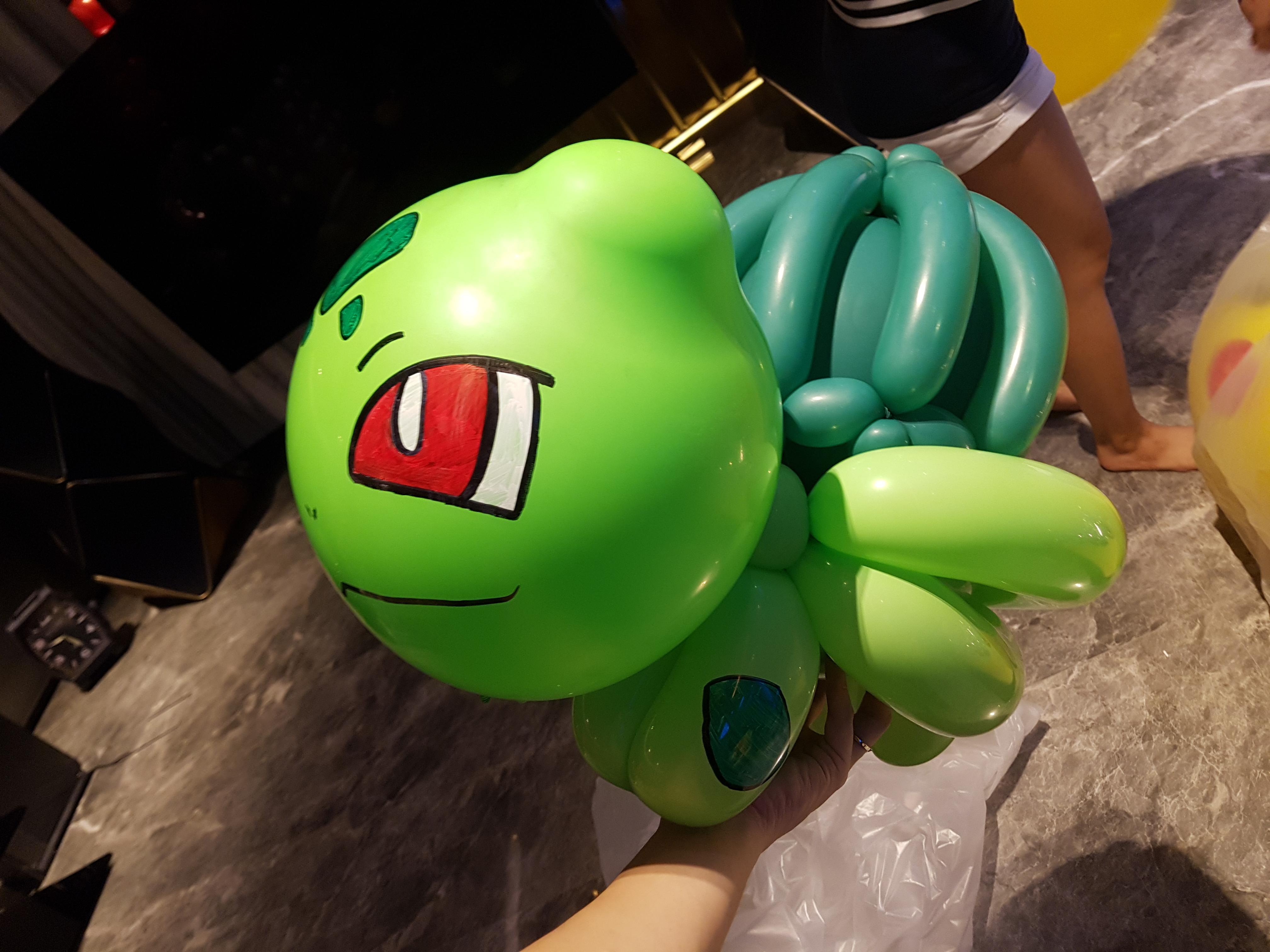 Bulbasaur Pokemon balloon sculpture