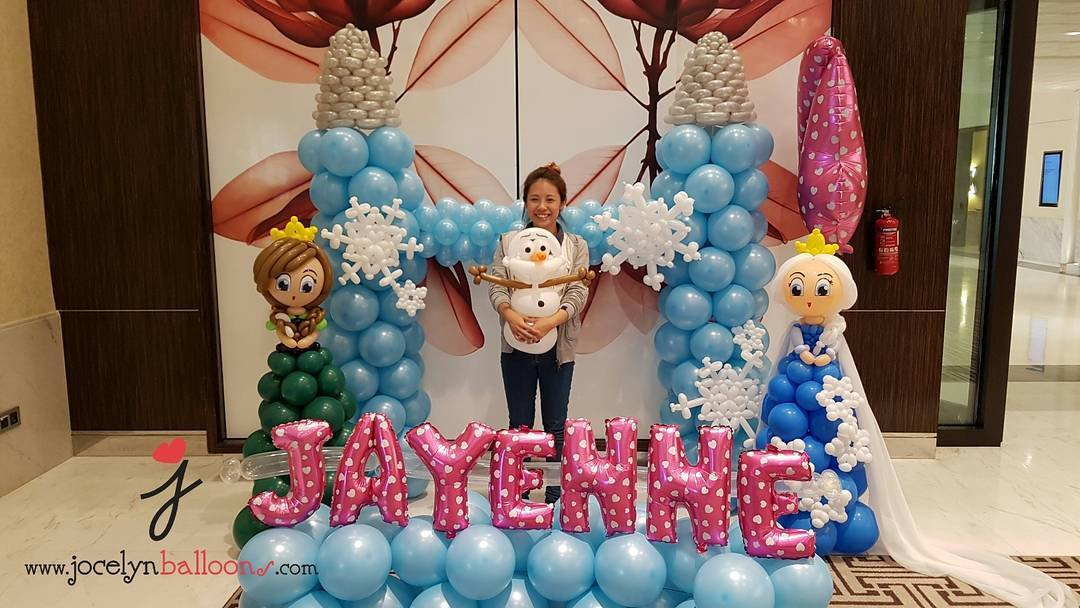 , Frozen themed balloon decorations!, Singapore Balloon Decoration Services - Balloon Workshop and Balloon Sculpting