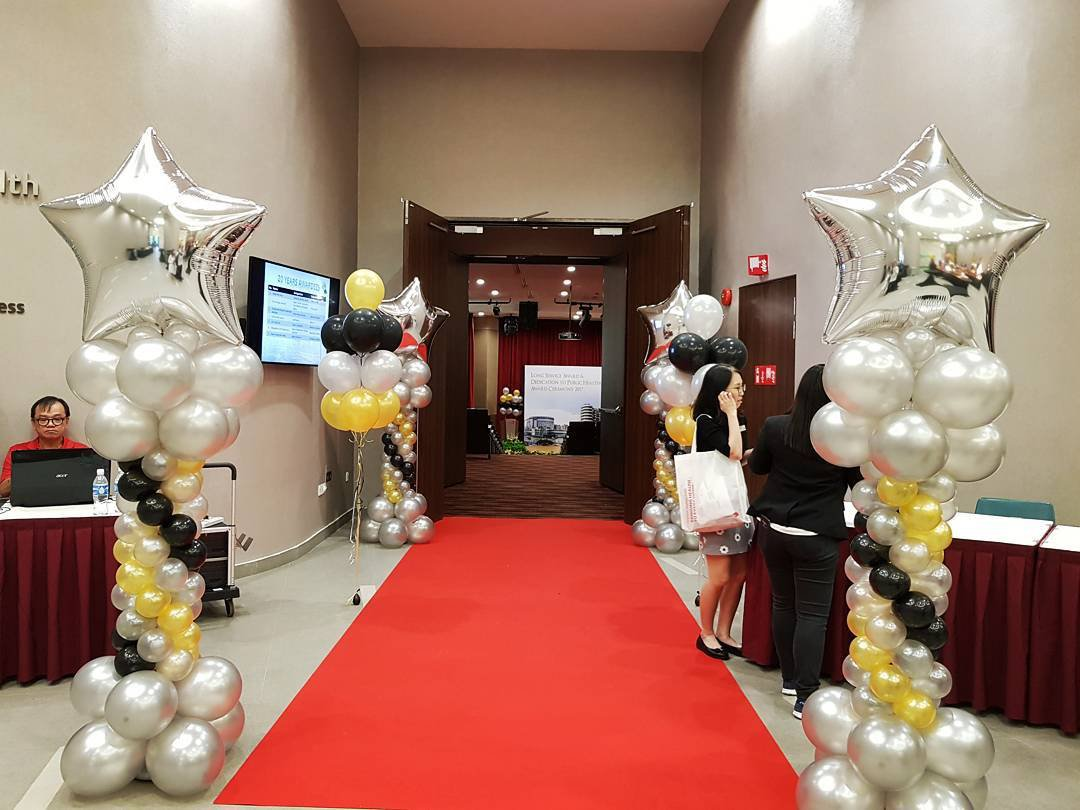 , Star balloon decorations!, Singapore Balloon Decoration Services - Balloon Workshop and Balloon Sculpting