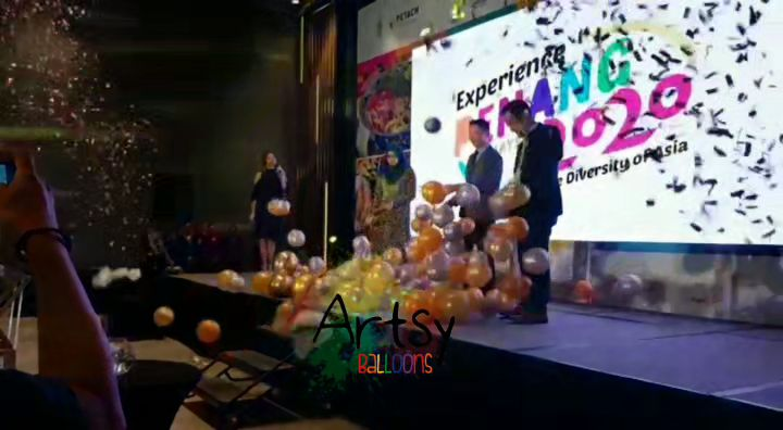 , Balloon Stage Effect | Balloon Explosion Effect, Singapore Balloon Decoration Services - Balloon Workshop and Balloon Sculpting