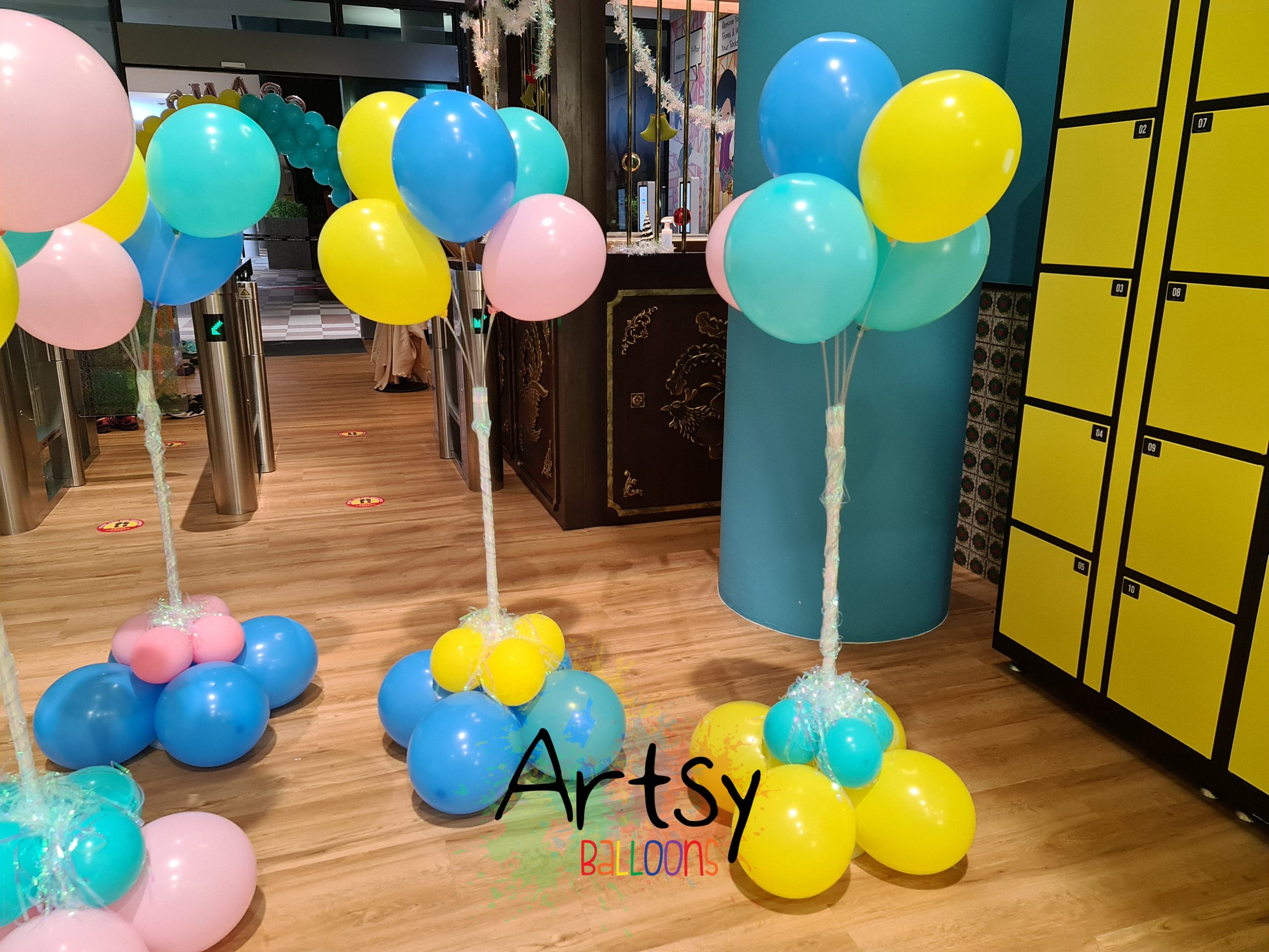 , Grand Opening Balloon Decorations For T-Play Singapore, Singapore Balloon Decoration Services - Balloon Workshop and Balloon Sculpting